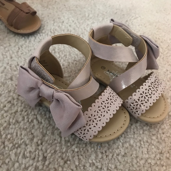 wholesale dealer e5031 75c61 Kola Infant Girl Sandals